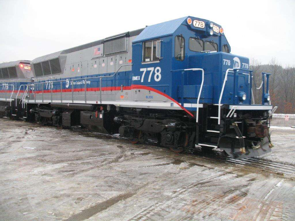 BL20G blue loco #778 in old weather and grey skies